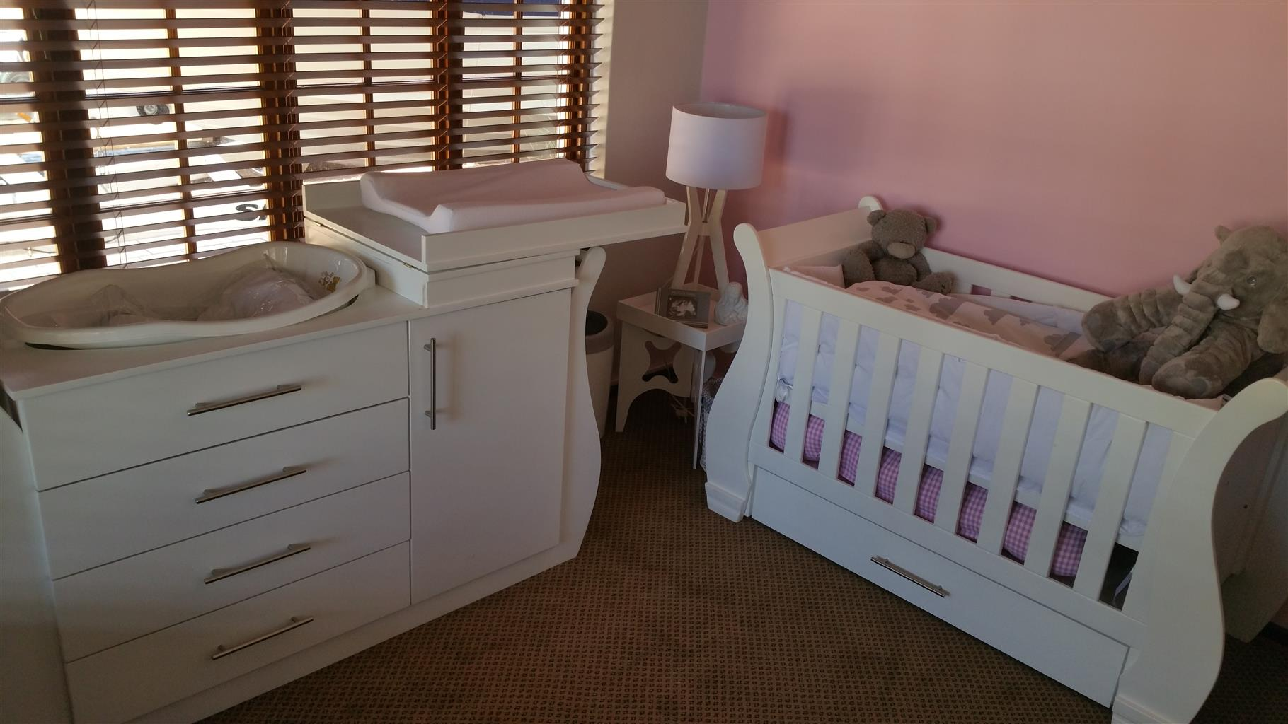 Used, Lily Baby Cot and Compactum-R 5999,00 for sale  Johannesburg - Randburg