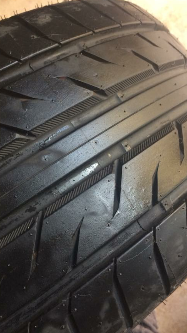 Like new 255 35 18 tyres