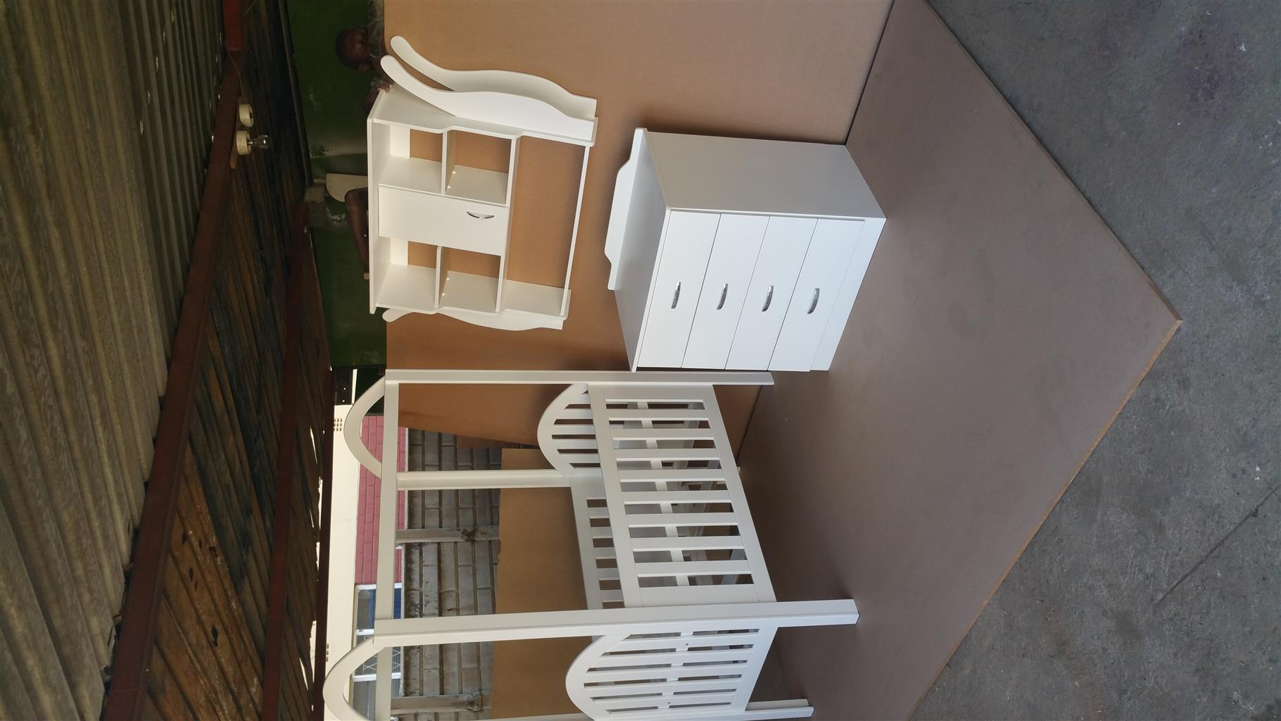 Iris Highline Cot and Compactum Combo with Display R6499,00