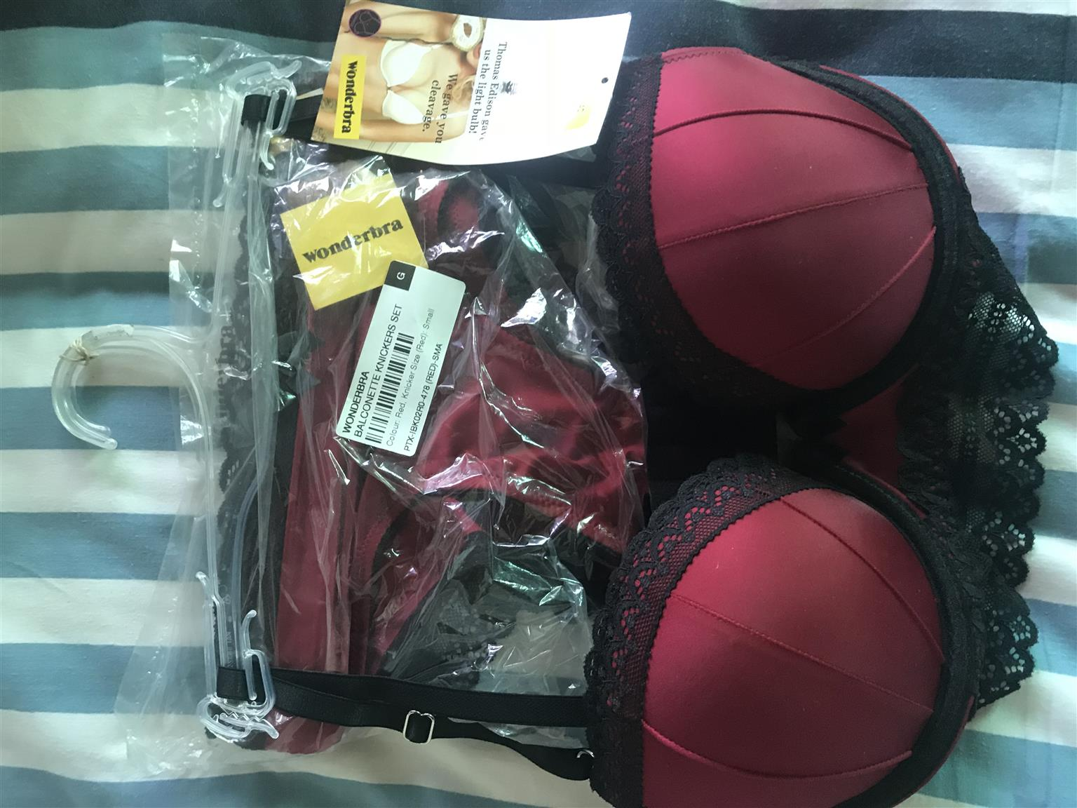 Wonder bra & Knickers Set For Sale