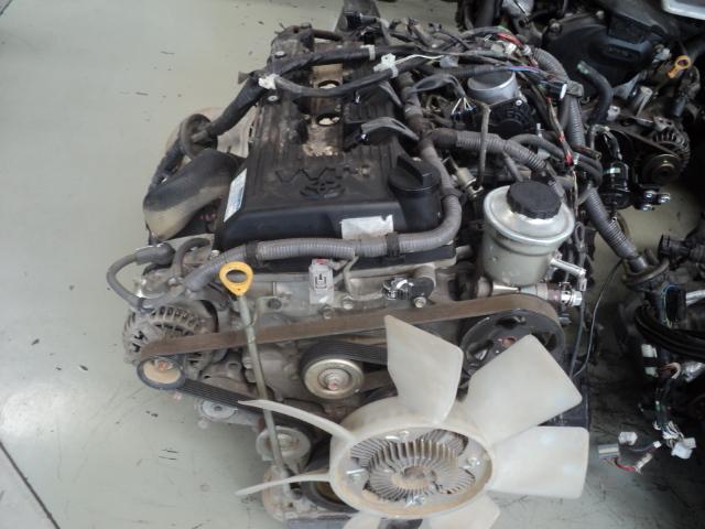 toyota hilux 2.7 vvti petrol engine (2tr) - R45000 + vat bbb