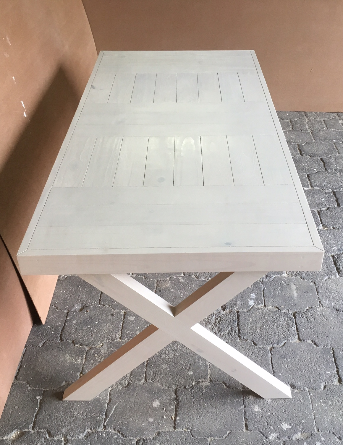Patio table Farmhouse series 1800 with crossed legs Antique white