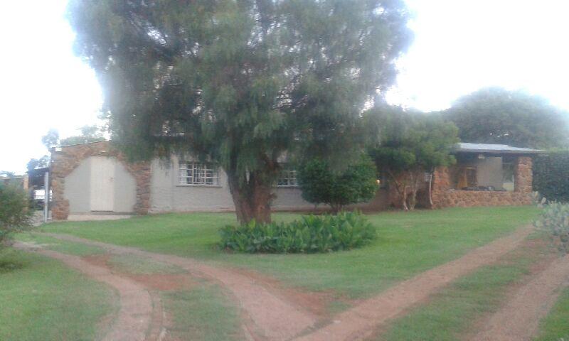 Garsfontein: House to rent (14km on Garsfonteinroad )