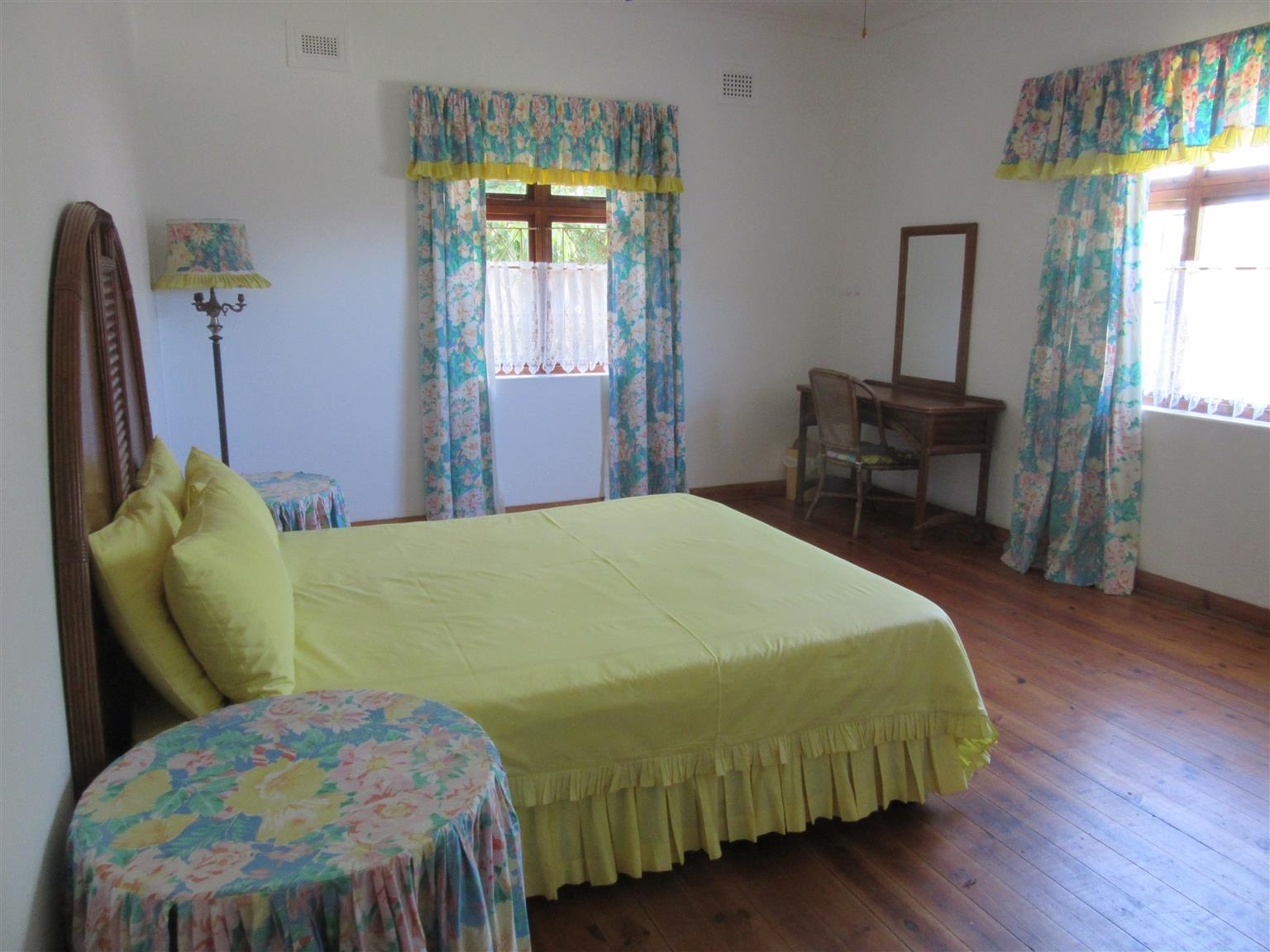 4 BEDROOM HOUSE OOZING CHARM WITH COMPLETELY SEPARATE ONE BEDROOM COTTAGE R990000 UMTENTWENI