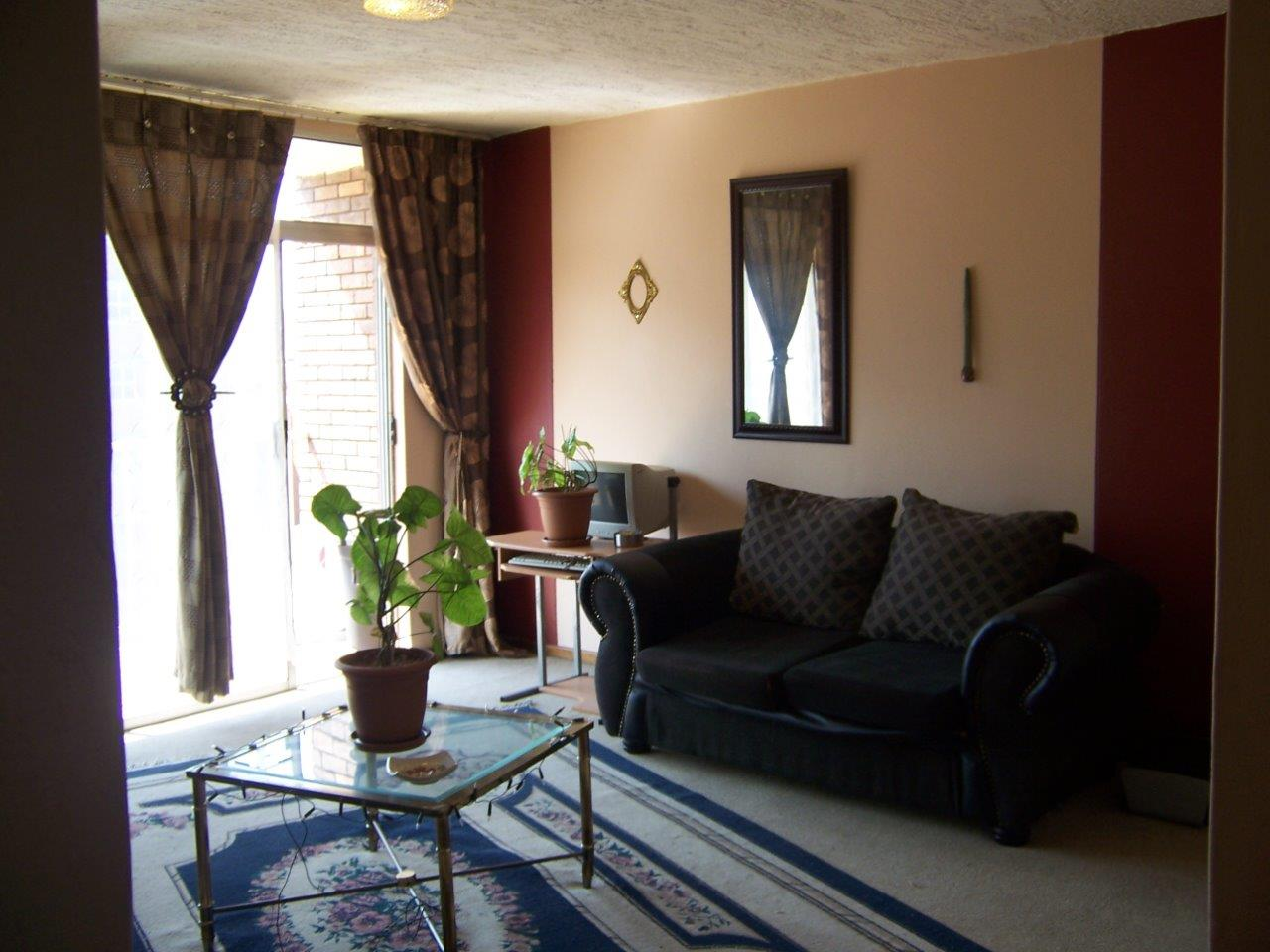 A homely, cosy, neat, North-facing 3-bedroom flat