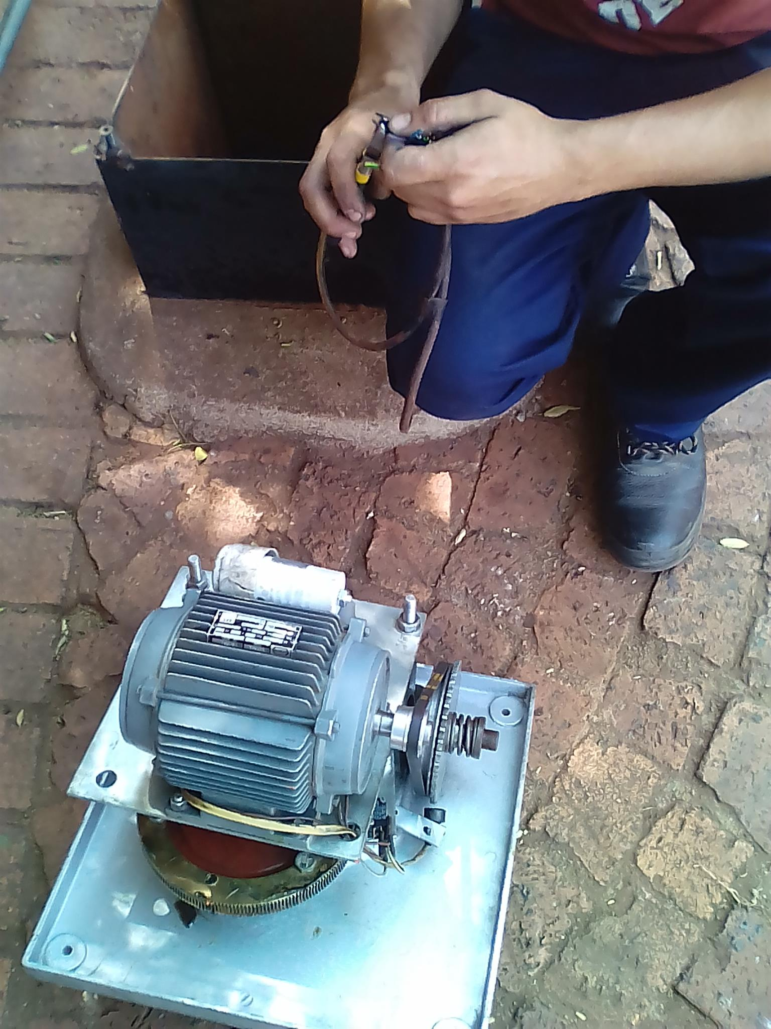 """BOKSBURG"" Garage door and Gate motor Service & Repairs 0768777294 CALL NOW"