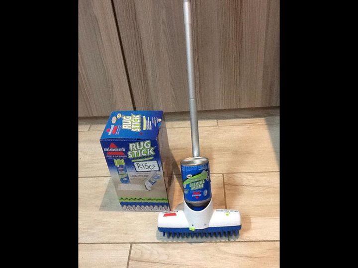 Rug stick carpet cleaner