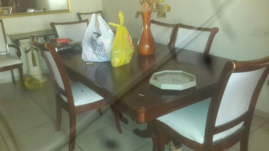 Dining set and wall unit | Junk Mail