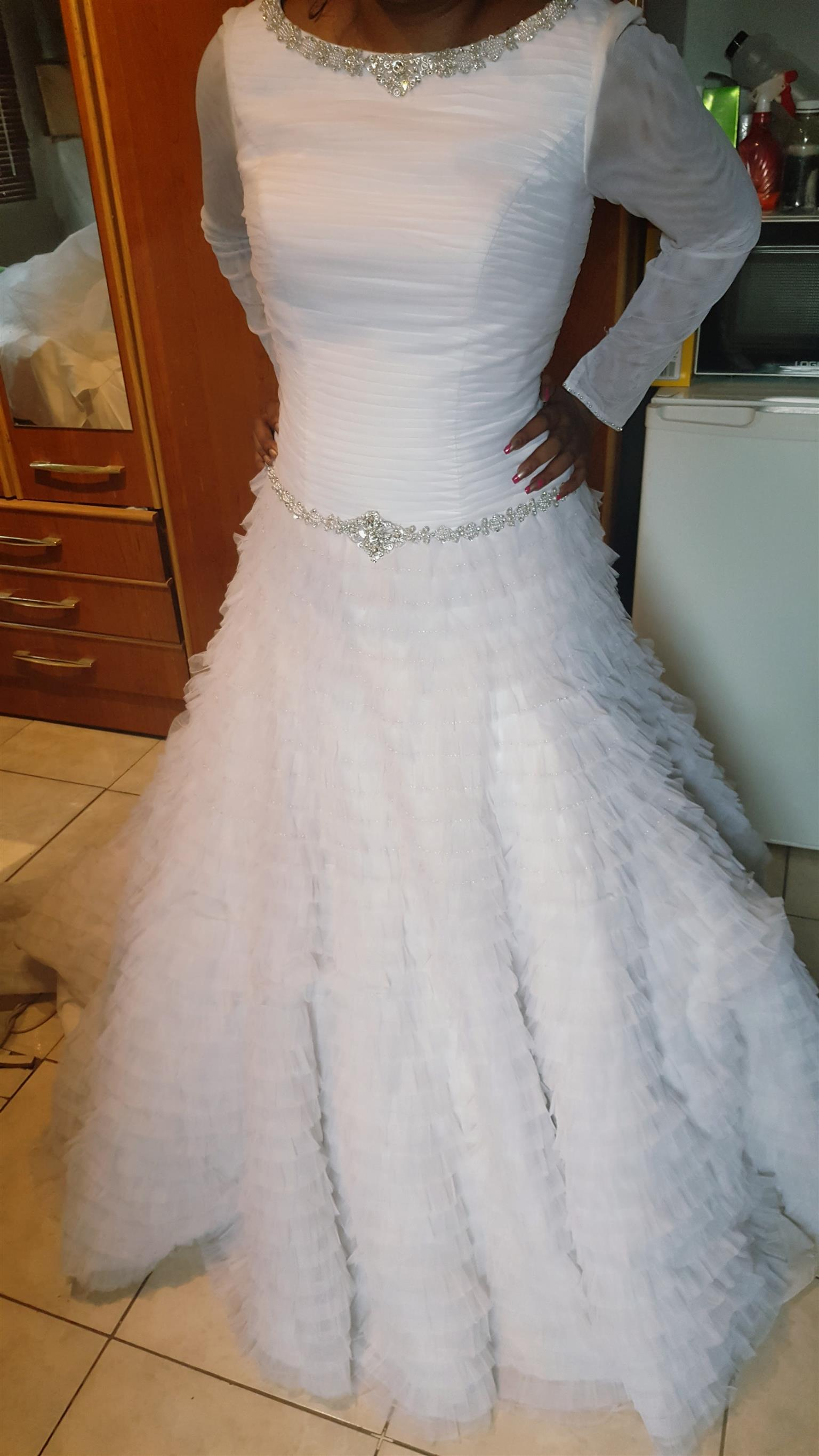 Affordable beautiful bridal gowns for hire | Junk Mail
