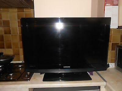 SAMSUNG 32 INCH LCD TV FOR SALE