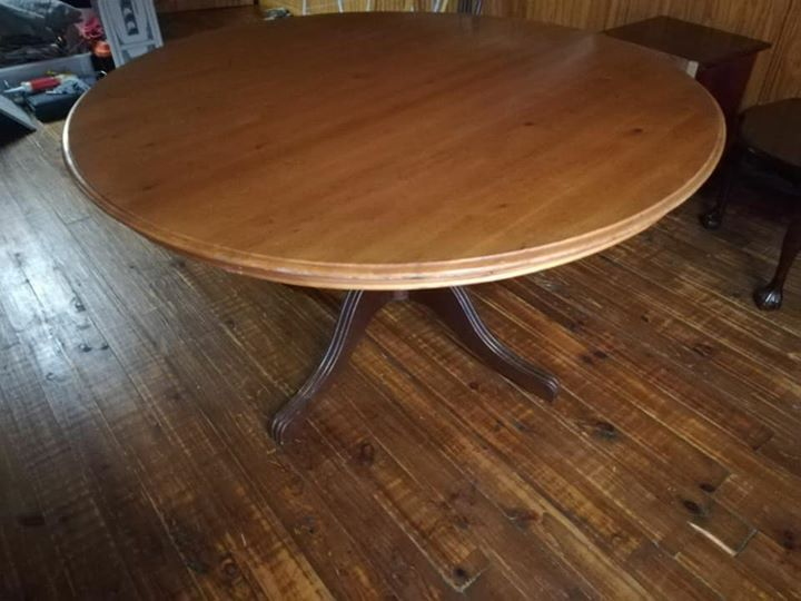 Round 6 Seater Dining Room Table