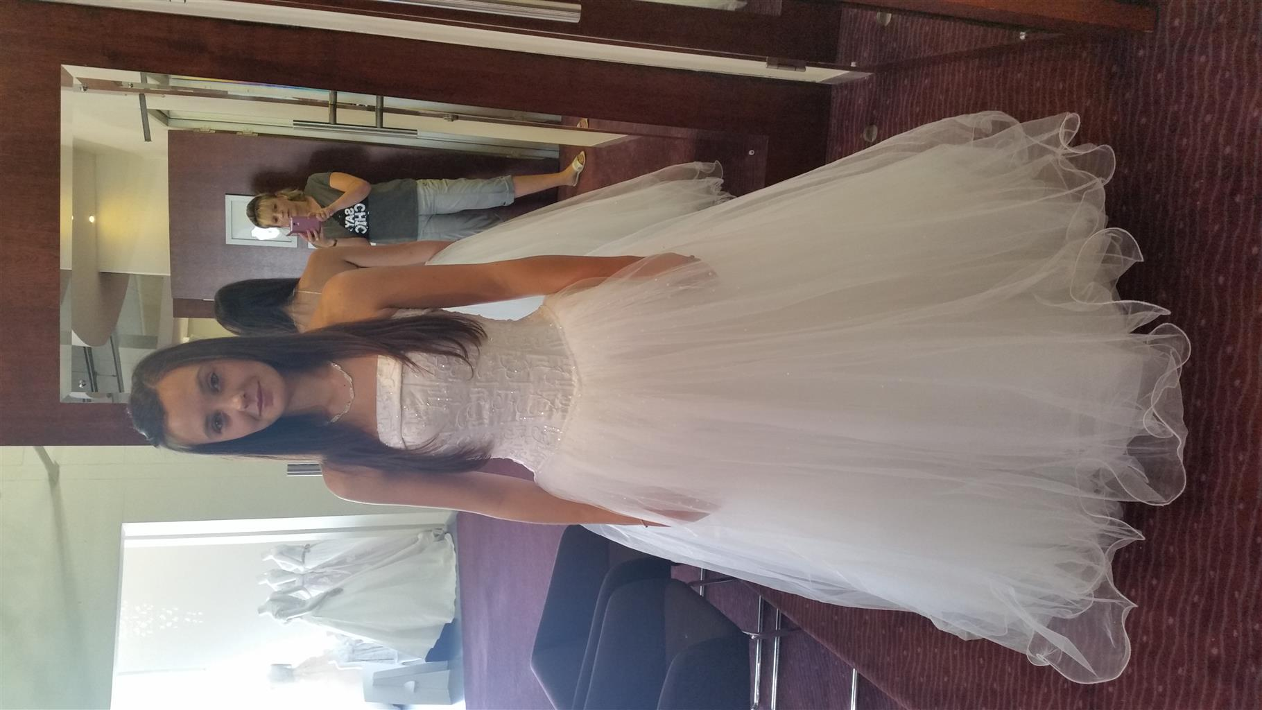 Wedding dress size 8 for sale