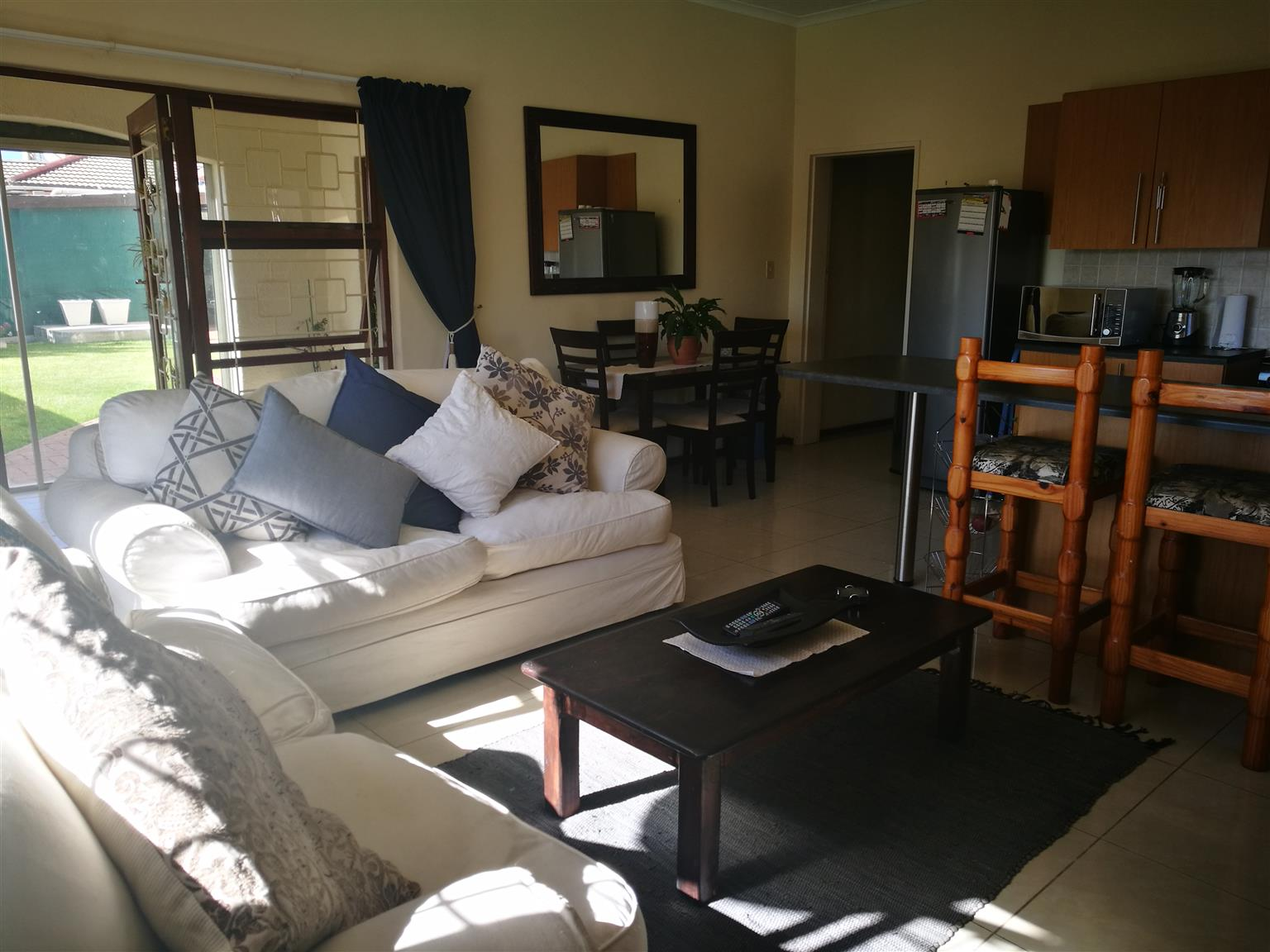 House share - Unfurnished room available for single professional in lovely home in Loevenstein