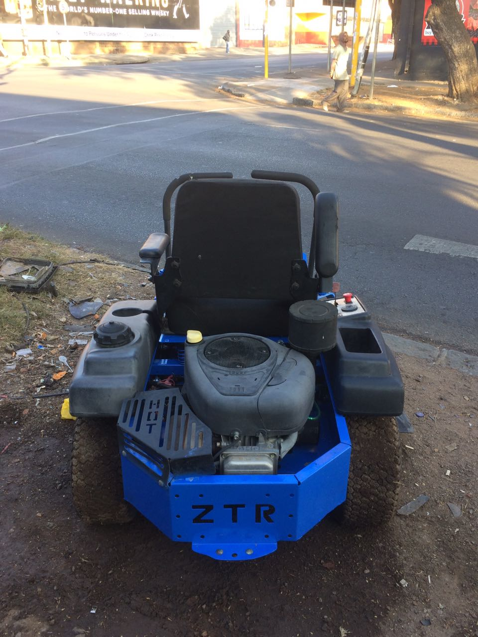 lawnmower zero turn ride on