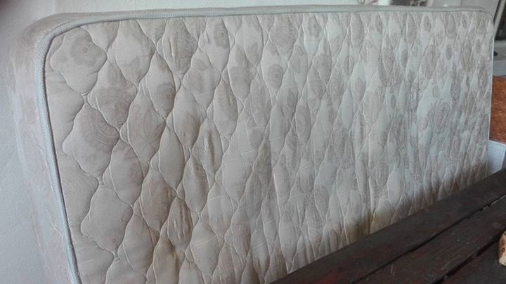 Single bed matrass.