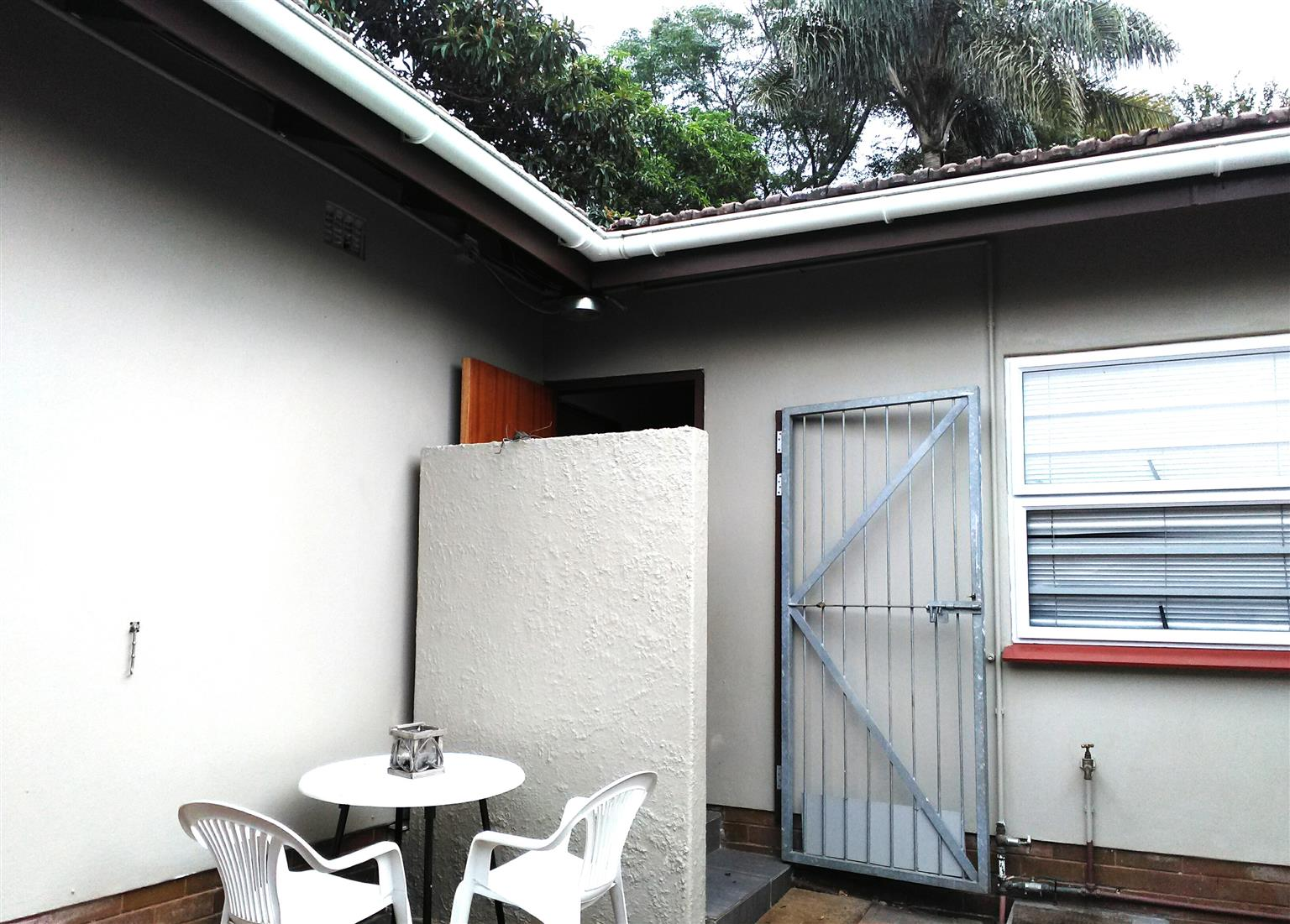 ONE BEDROOM FULLY FURNISHED COTTAGE TO RENT IN WESTVILLE -Available 1 December 2018