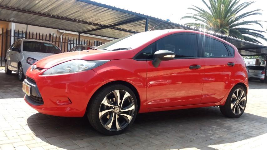 2012 Ford Fiesta 5 door 1.4 Ambiente (aircon+audio)