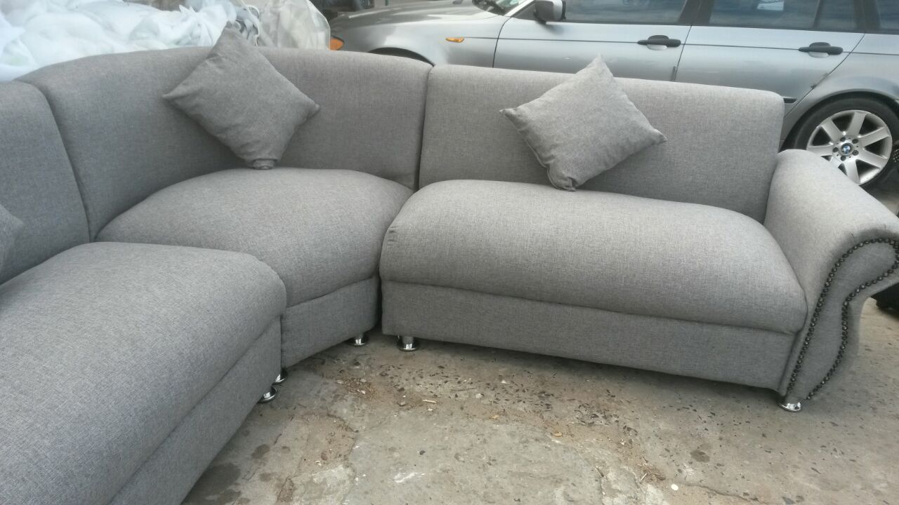 new curve lounge suite