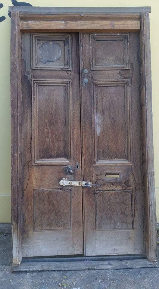 Antieke hout deur met kosyn