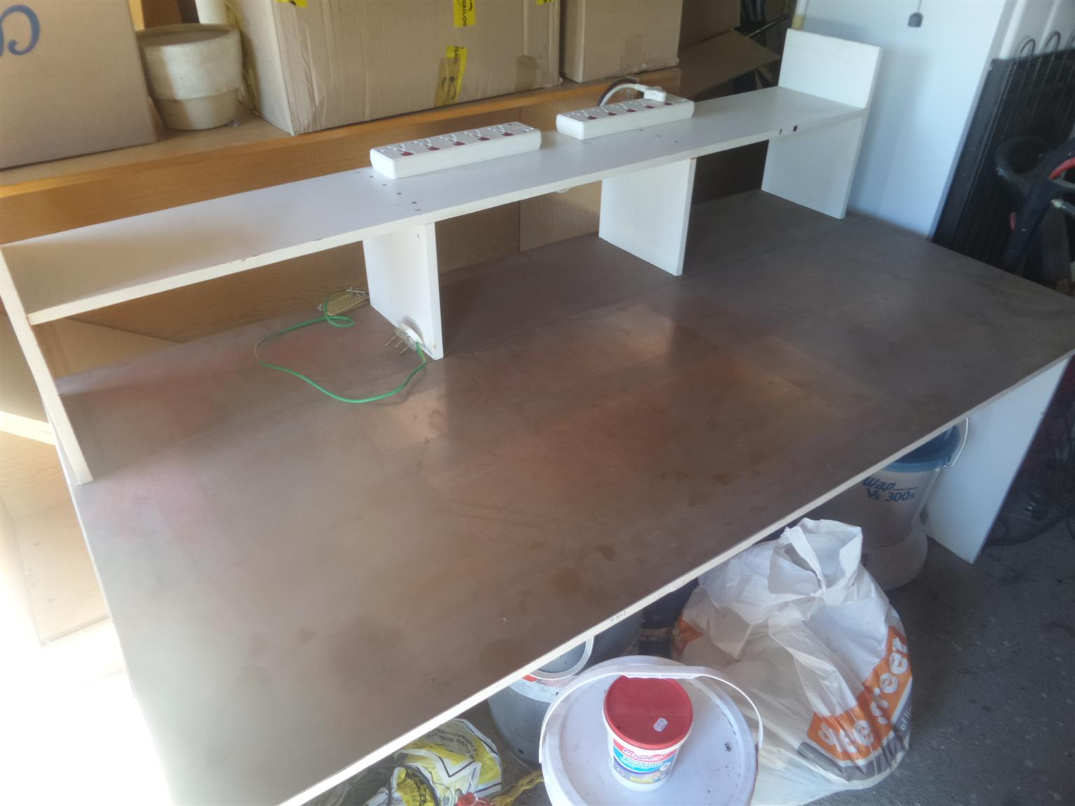 Durbanville: Electronic Work Bench - COPPER clad work top