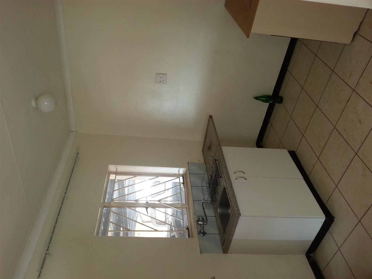 Bachelor Apartment to rent