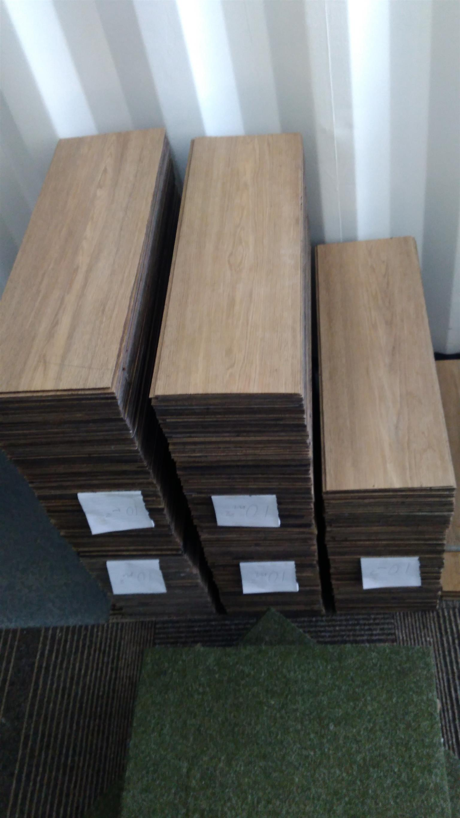 Vinyl and Laminate Flooring supply and fit