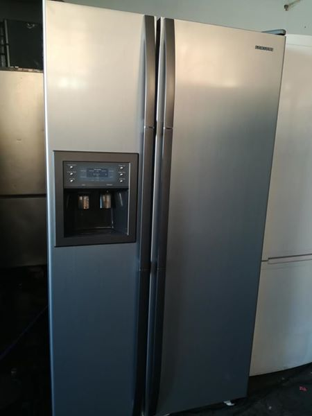 Double door Samsung fridge very good condition