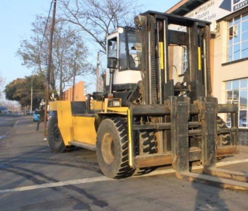 32 ton Fantuzzi Forklift
