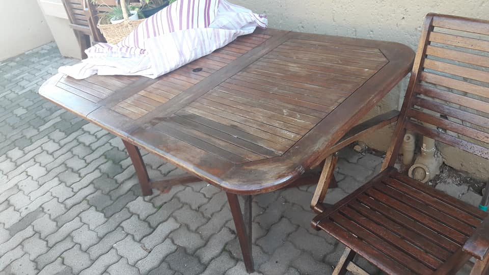 6 seater wooden table and chairs set