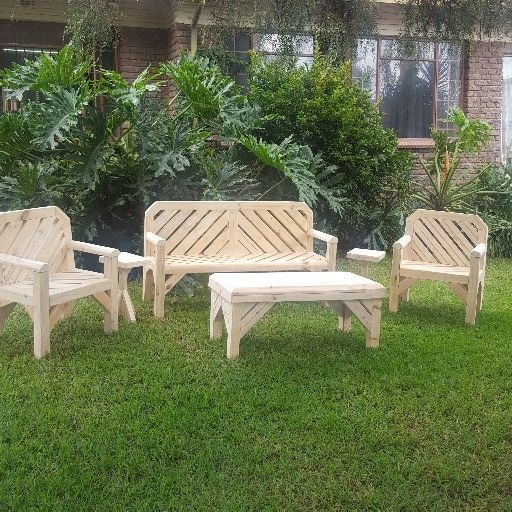Pine Pallet garden furniture