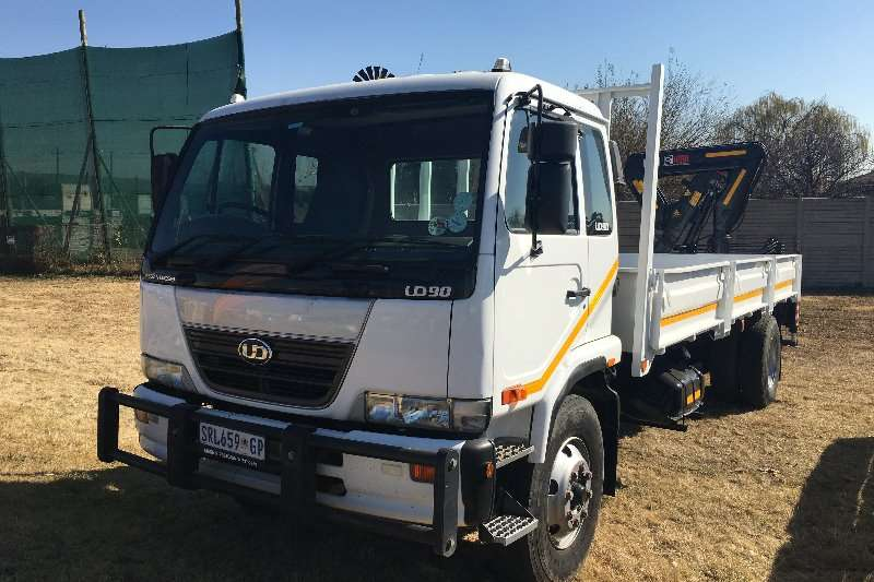 2008 Nissan UD90 Truck