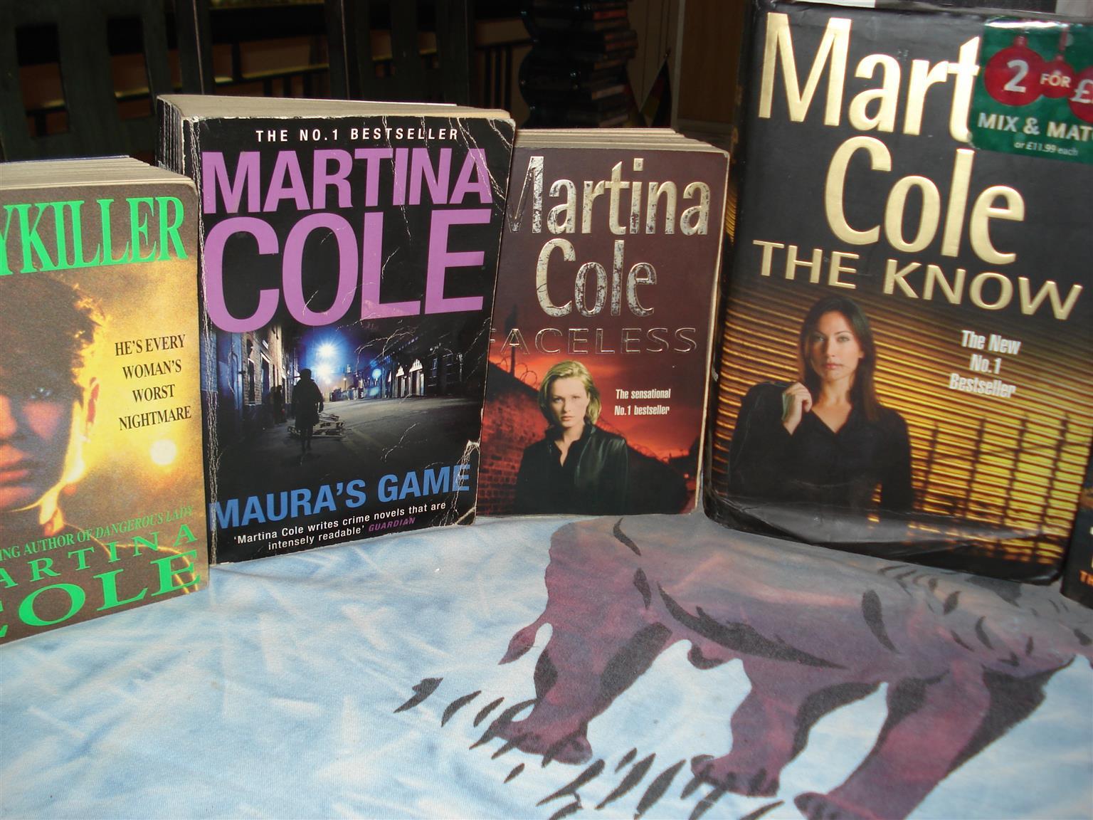 BOEKE VAN MARTINA COLE
