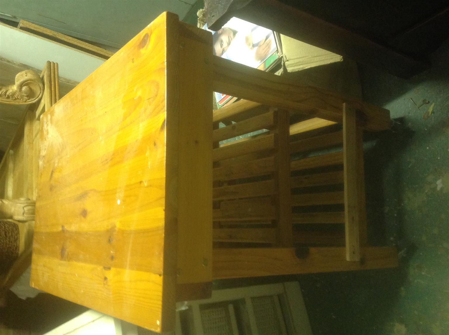 Kitchen work table on wheel