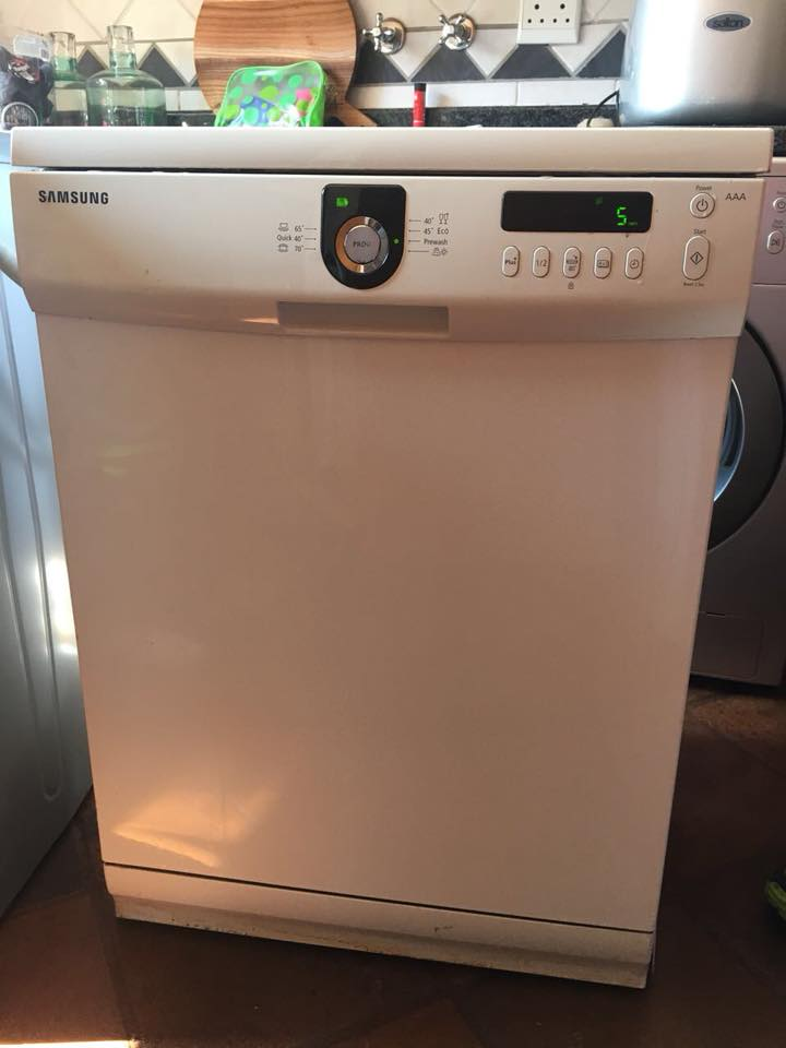 Selling Samsung AAA silwer colour dishwasher
