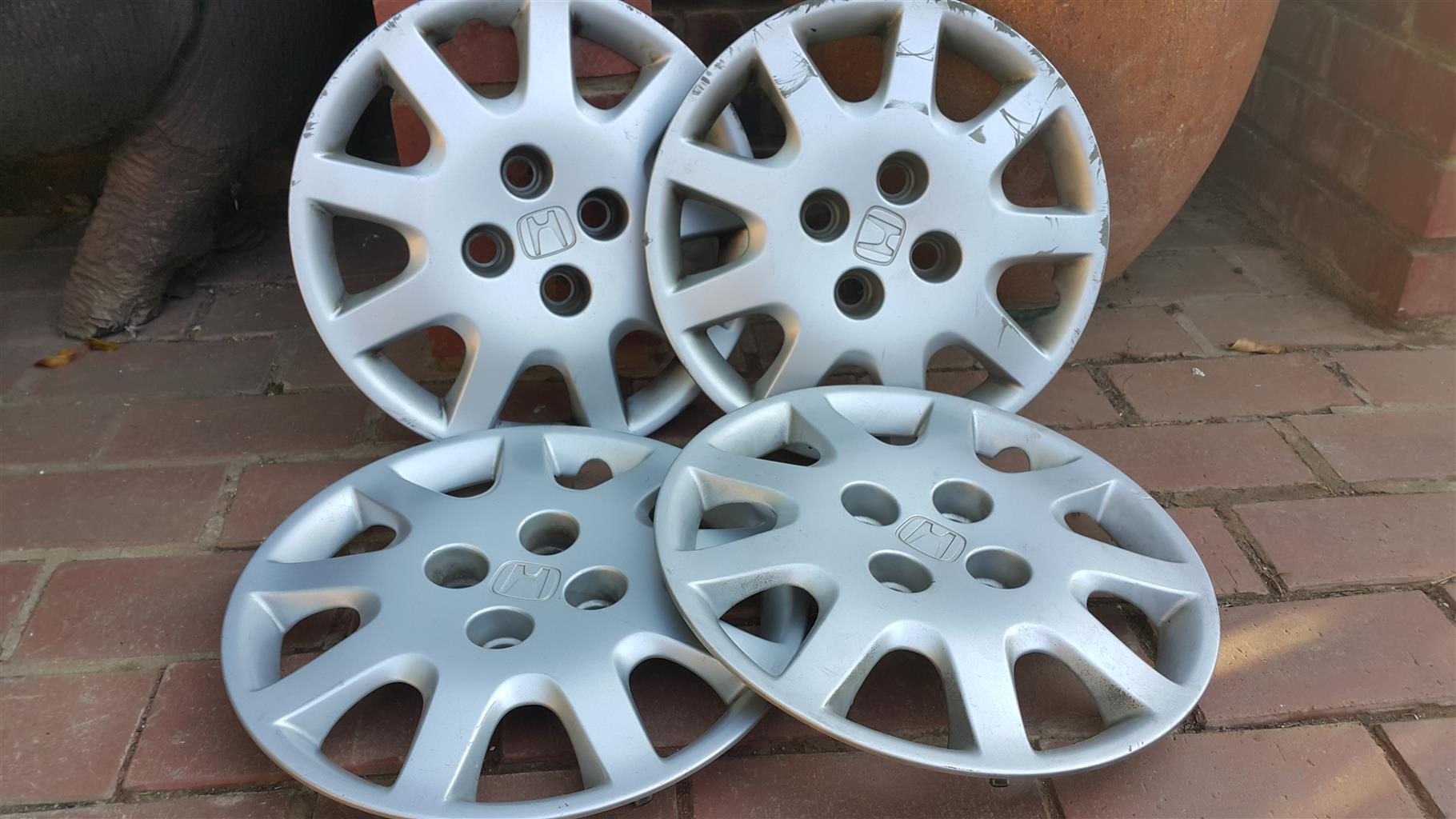 Honda Civic 1.5i wheel hubs for sale