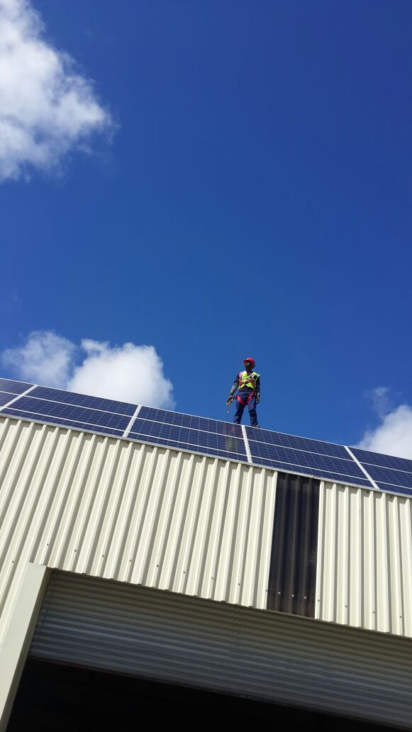 pv solar installer/Electrician available