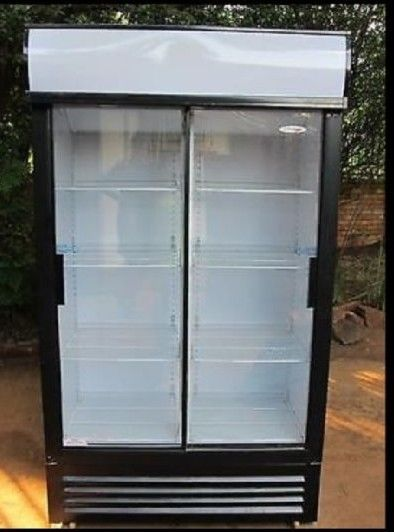 Coldrink Fridge 2-Door Demo Model R4995