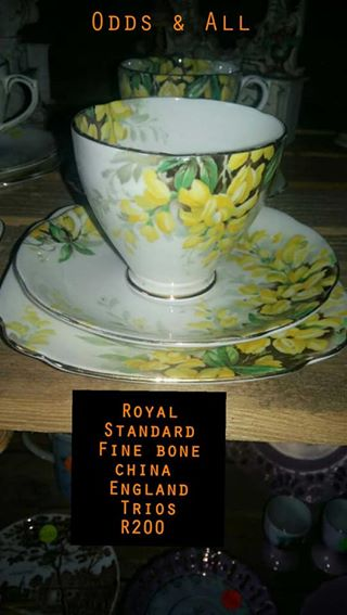 Royal standard fine bone china england trios