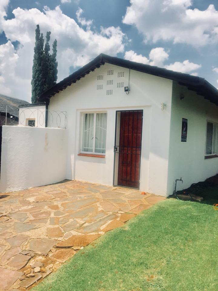 Newly Renovated Garden Cottage