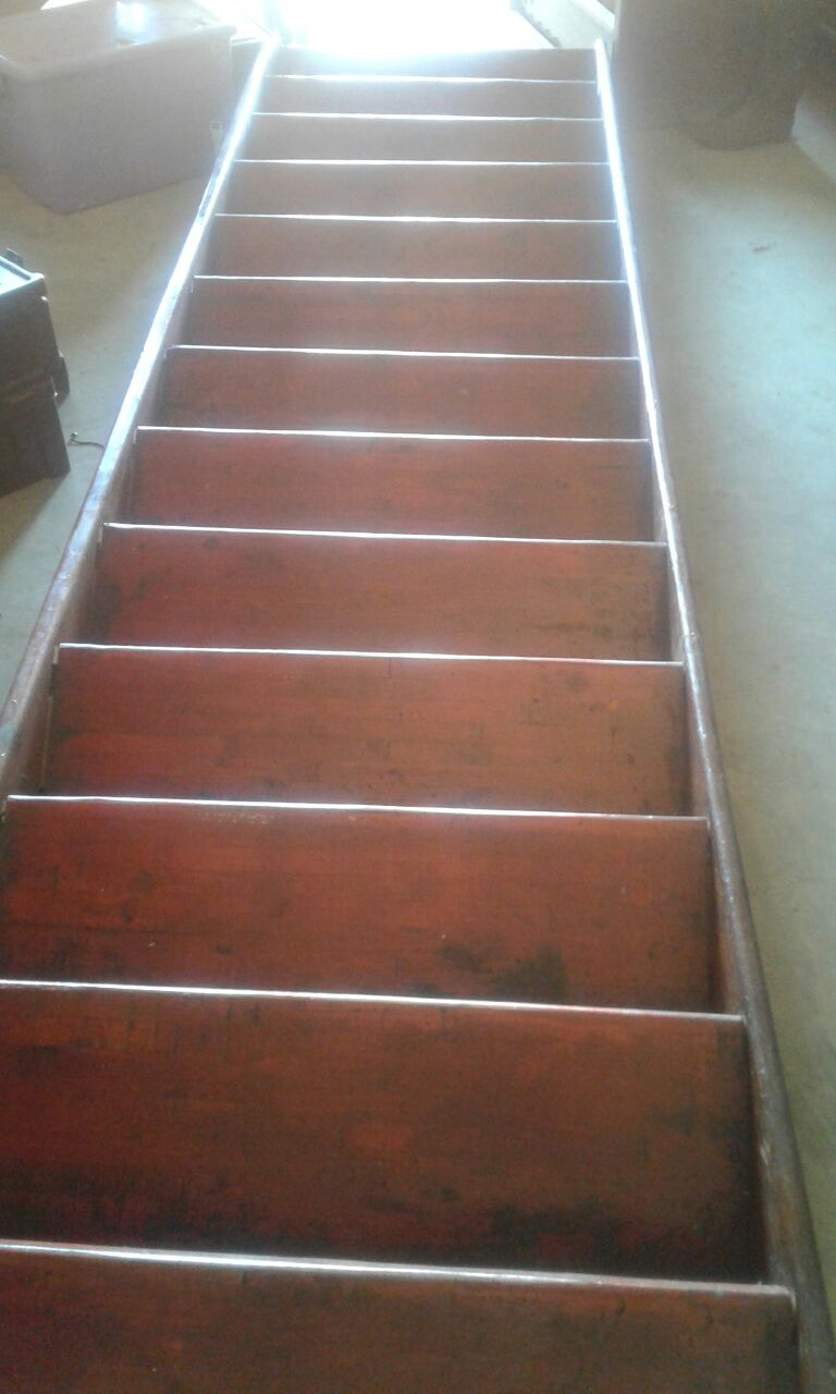 Wooden Stairs with Hand Rail   13 Steps