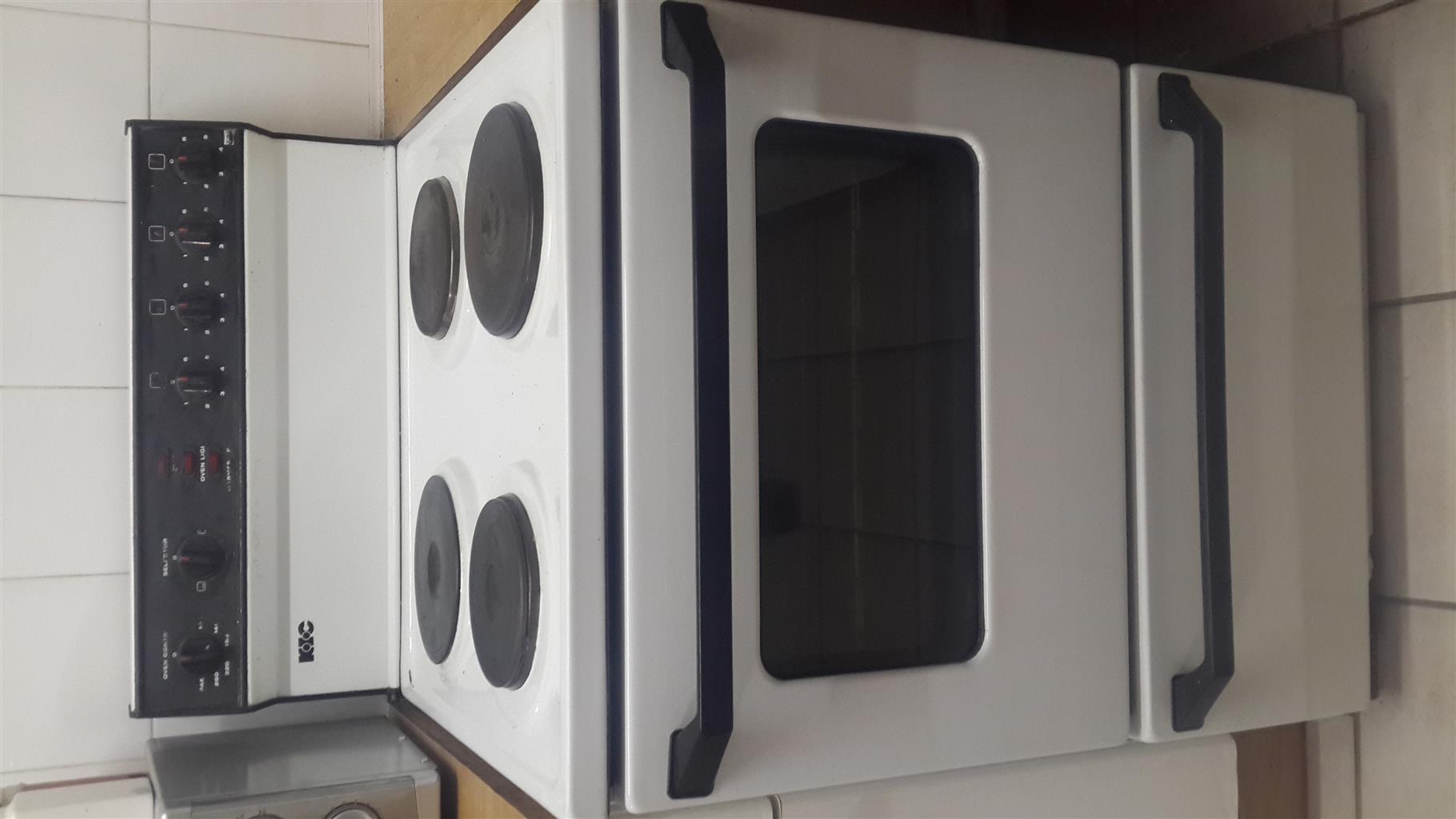 2nd hand KIC 600 kitchen 4 plate Stove & Oven