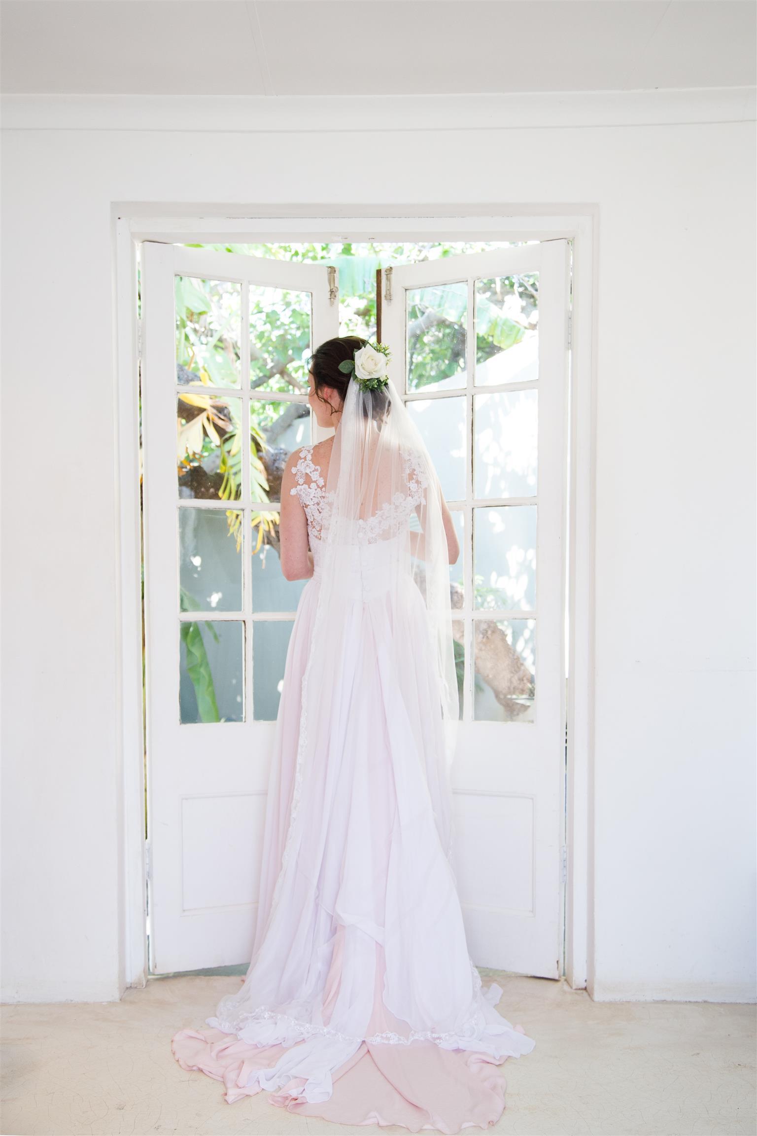 PRE-LOVED DESIGNER WEDDING DRESS FOR SALE