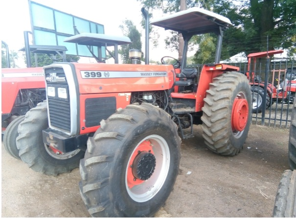S2214 Red Massey Ferguson (MF) 399 74kW/100Hp 4x4 Pre-Owned Tractor