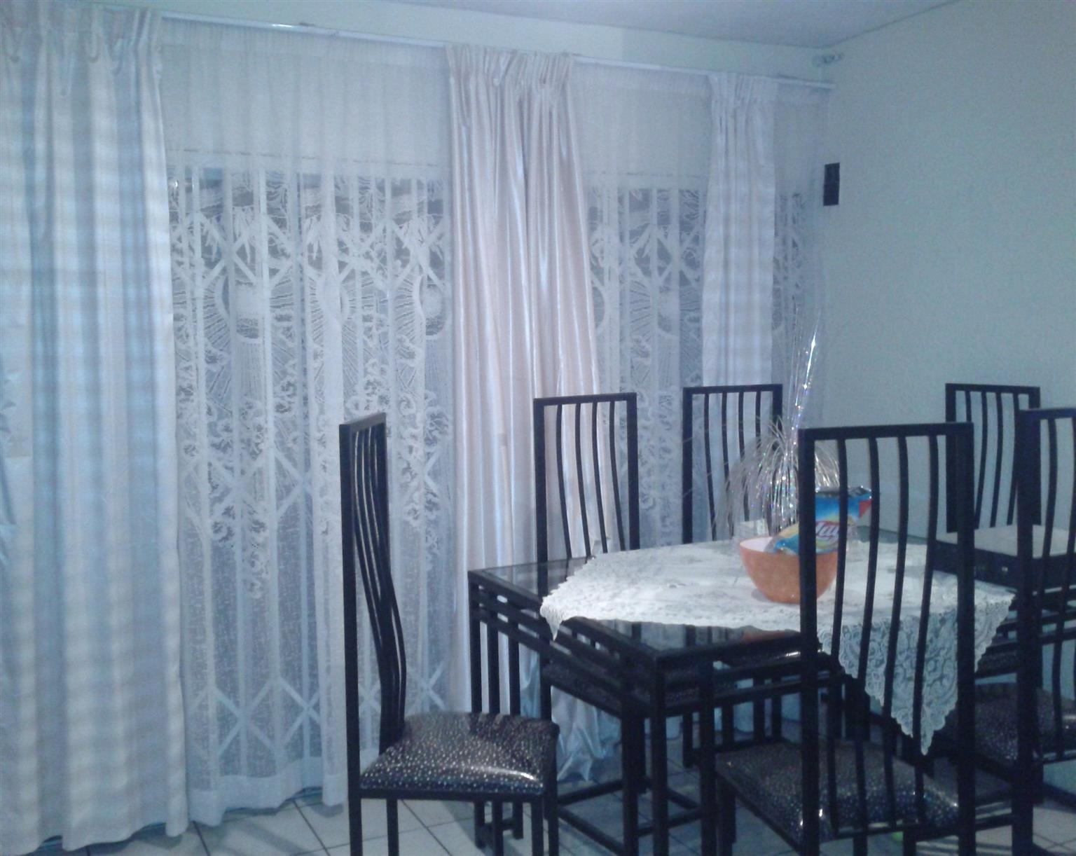 dinning table x6 chairs & side table
