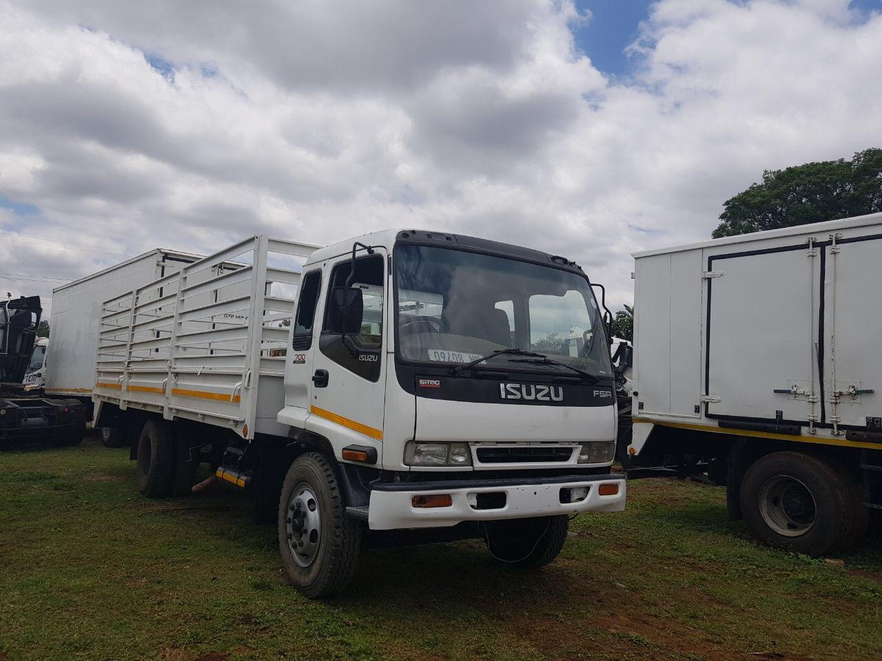 Isuzu FSR cattle truck