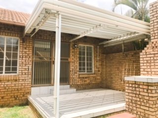 STUNNING TOWNHOUSE IN MAGALIESKRUIN PTA - 2 BEDROOM 1 BATHROOM 1 GARAGE