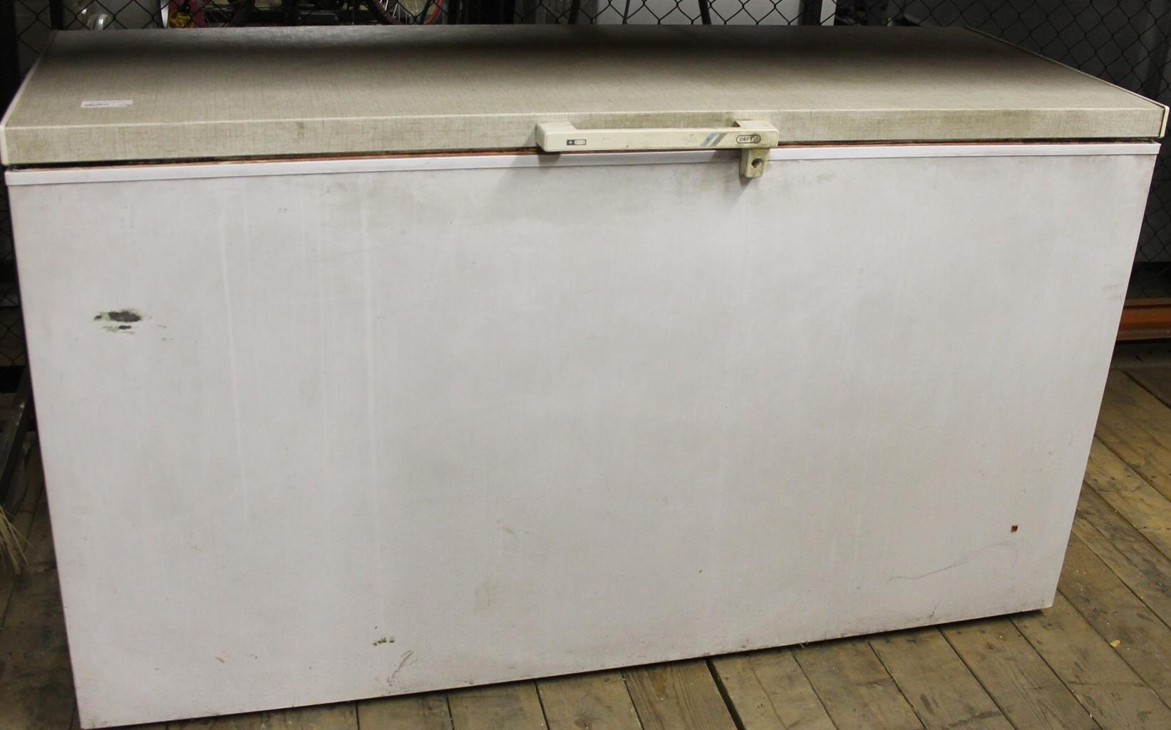 White deep freezer S027185a #Rosettenvillepawnshop