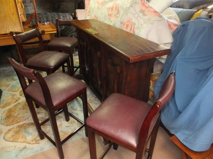 BAR WITH 4 CHAIRS