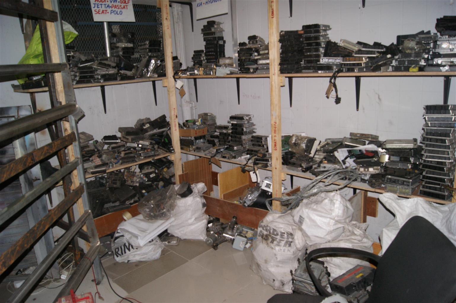 ecu. car computer boxes sell and supply .and programming of most cars