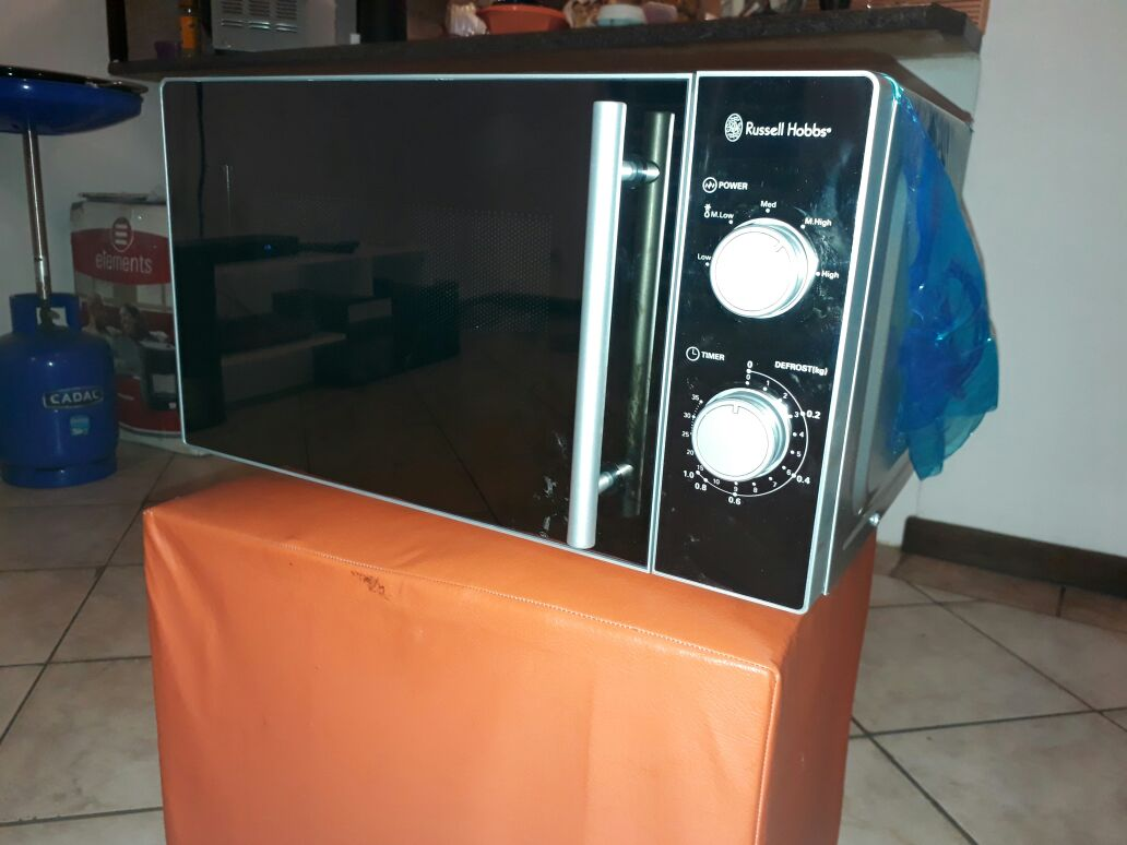 Russel Hobbs 20L Microwave for sale
